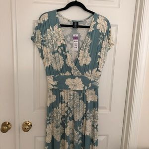 NWT Agnes & Dora Spencer Dress Floral Medium
